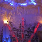 Соляная комната в частном доме, стены на половину выложены соляными блоками, верх стены и потолок  соляное напыление, рельеф до 10 см, система сталлоктитов,   (соль Артемовского месторождения)