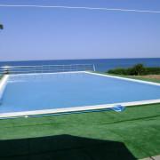 Пансионат Альбатрос, Песчаное, бассейн переливного типа. Год постройки 2005