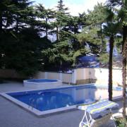 Ливадия, частный пансионат, бассейны скиммерного типа. Взрослый бассейн оборудован противотечением. Год постройки 2005