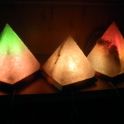 solyanaya-lampa-piramida-bolshaya-4-6-kg
